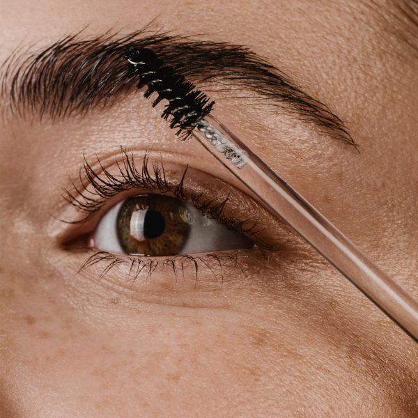 madara orgainc skincare grow fix lash brow model